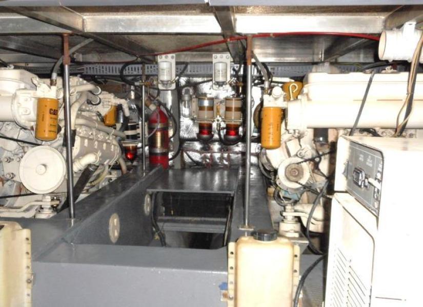 1988 Carver 4207 Aft Cabin Motor Yacht engine room