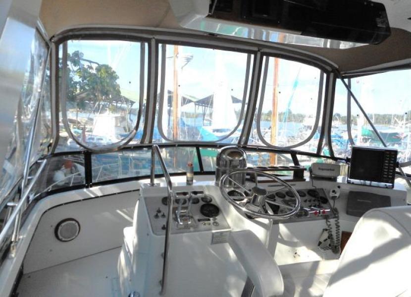 1988 Carver 4207 Aft Cabin Motor Yacht flybridge view