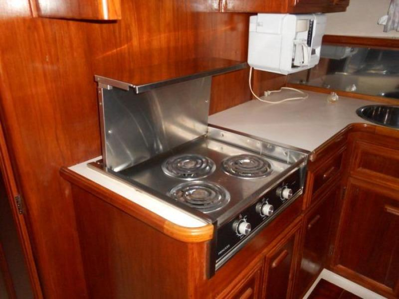 1988 Carver 4207 Aft Cabin Motor Yacht galley stove & counter