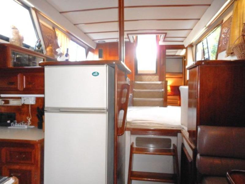 1988 Carver 4207 Aft Cabin Motor Yacht saloon from galley