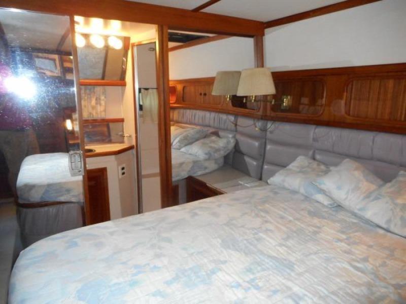 1988 Carver 4207 Aft Cabin Motor Yacht owner's berth starboard
