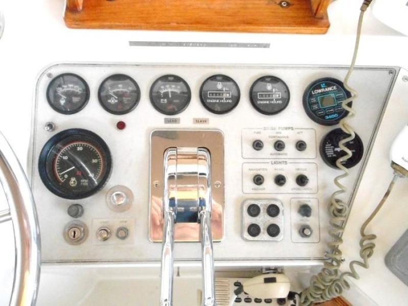 1988 Carver 4207 Aft Cabin Motor Yacht starboard helm instruments