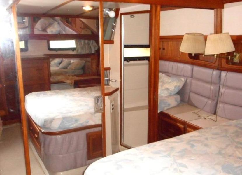 1988 Carver 4207 Aft Cabin Motor Yacht owner's stateroom head and shower door