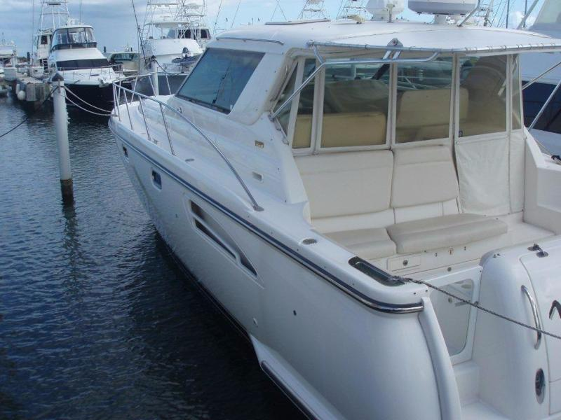 photo of 44' Tiara Sovran 2002