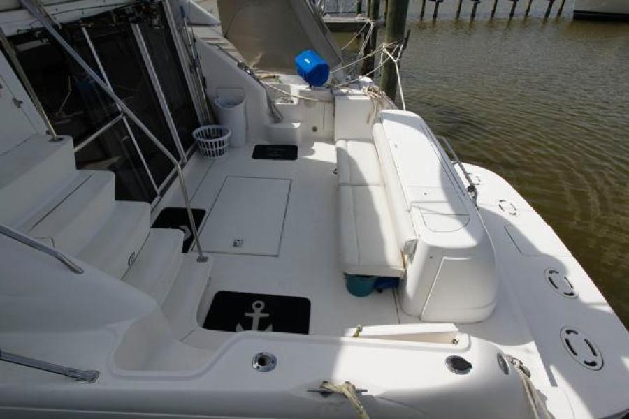 SEA RAY 450 Express Bridge Cockpit