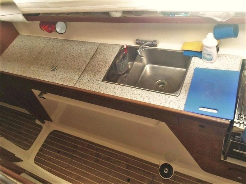 '03 Gemini 105MC galley counter and sinks