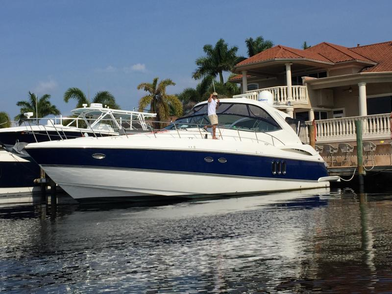 Photo of 50' Cruisers Yachts 500 or 520 Express 2005