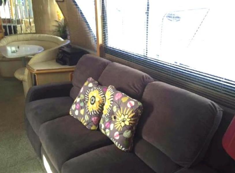 Salon convertible couch