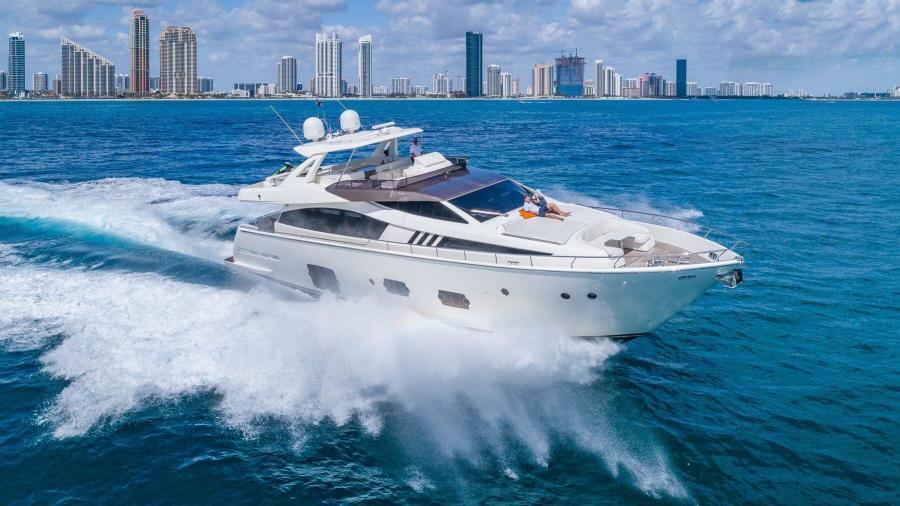 photo of 80' Ferretti Yachts 800 2010