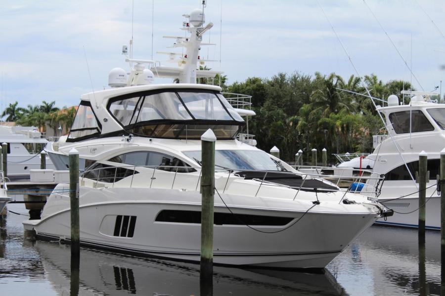 Photo of 59' Sea Ray L590 Fly 2016