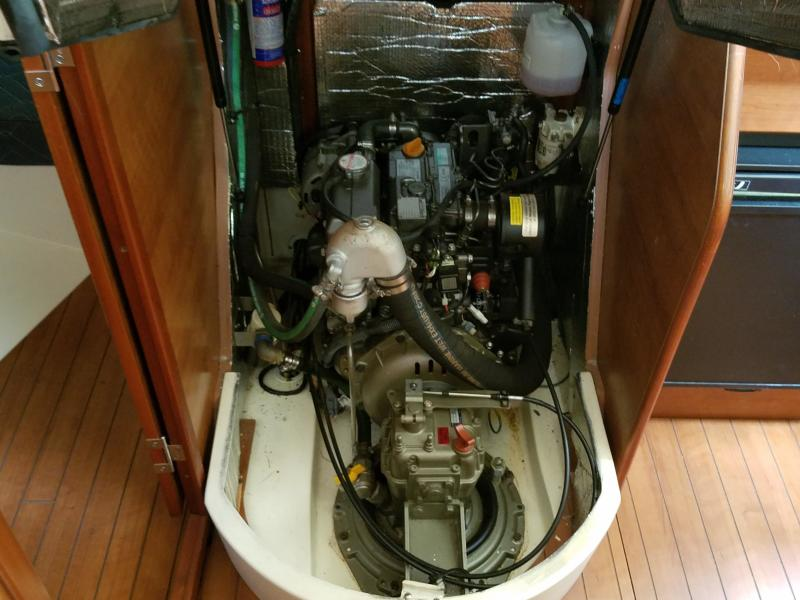 Hunter E33  Engine and Sail drive