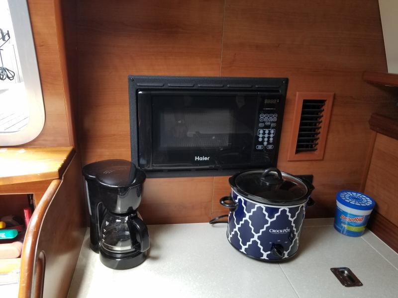 Hunter E33 Microwave