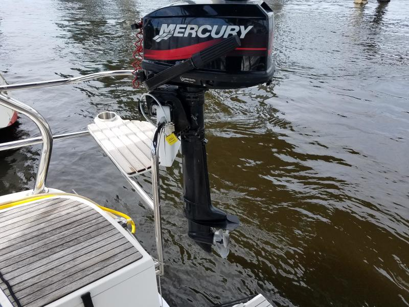 Hunter E33  2 stoke Outboard