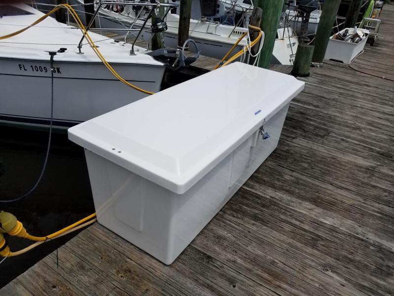 Hunter E33  Dock Locker
