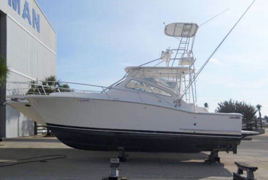 photo of 34' Luhrs 30 Open 2004