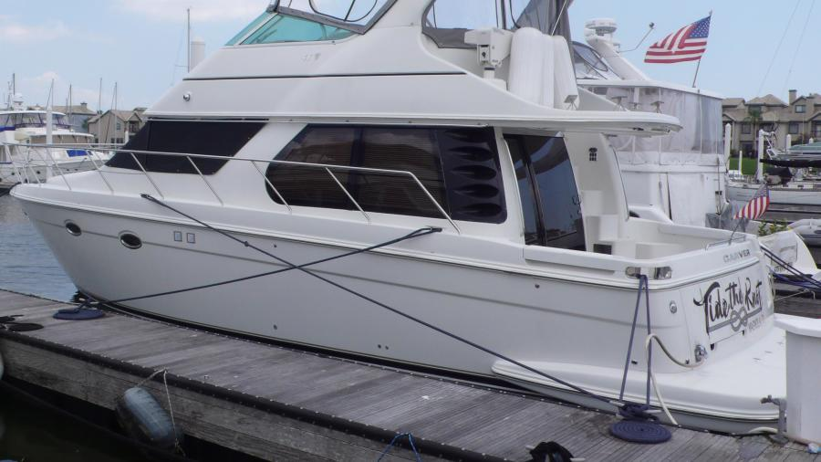 photo of 46' Carver 46 Voyager 2005