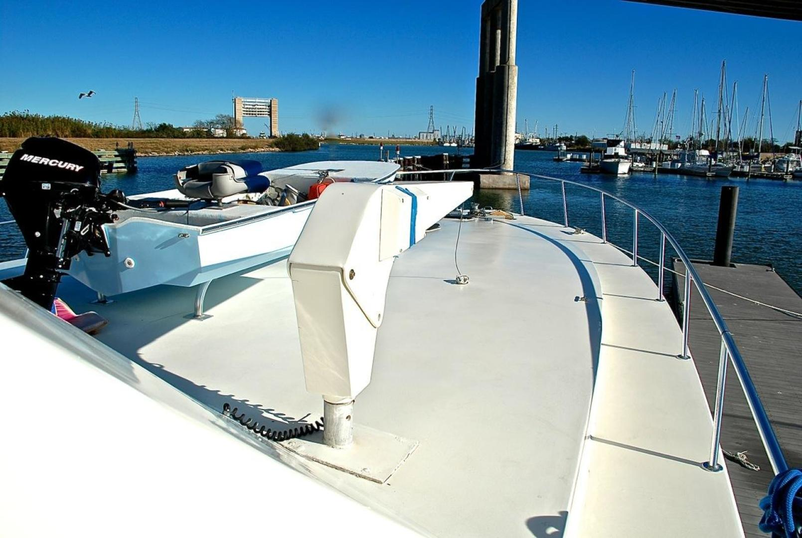 Infinity-Cockpit Motor Yacht 2001-Dont Matter Houston-Texas-United States-Fore Deck Forward View-1005578 | Thumbnail