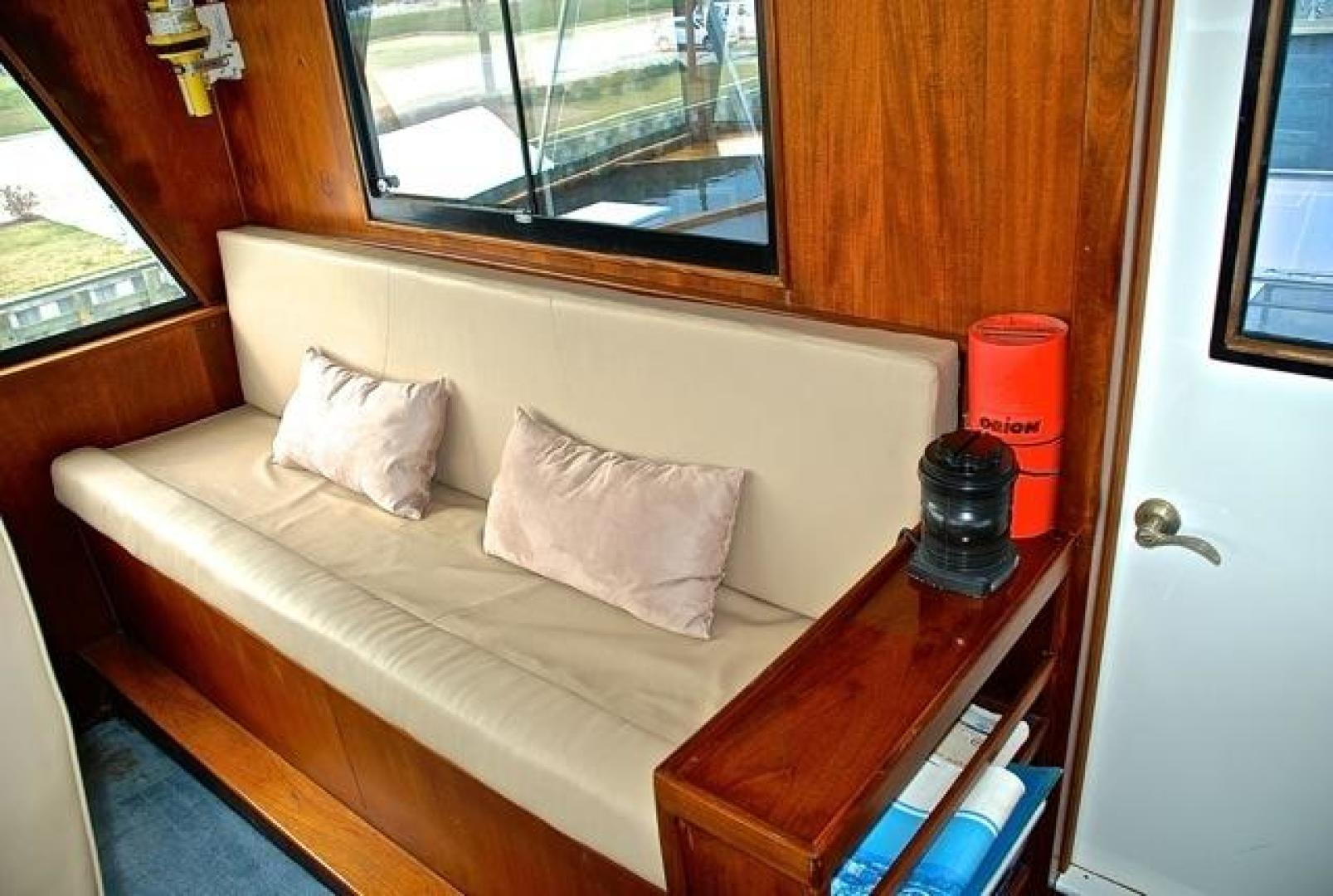 Infinity-Cockpit Motor Yacht 2001-Dont Matter Houston-Texas-United States-Pilothouse Guest Seating-1005561 | Thumbnail