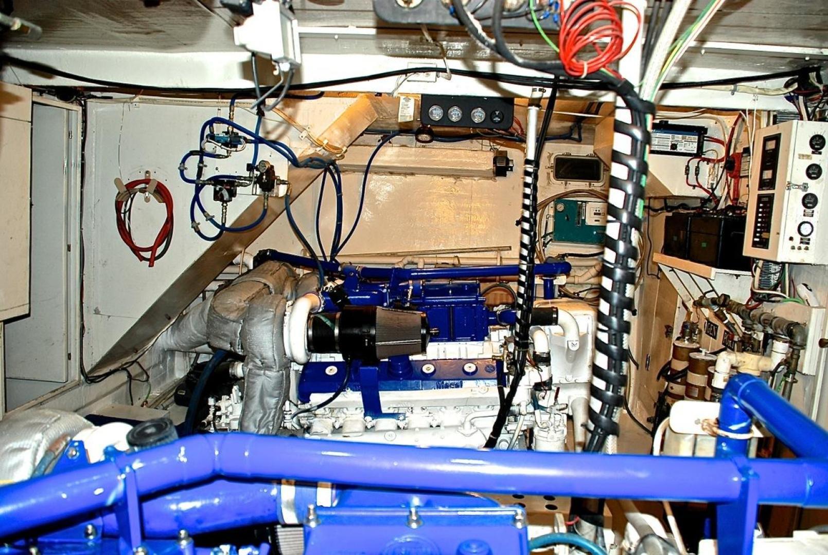 Infinity-Cockpit Motor Yacht 2001-Dont Matter Houston-Texas-United States-Engine Room-1005583 | Thumbnail