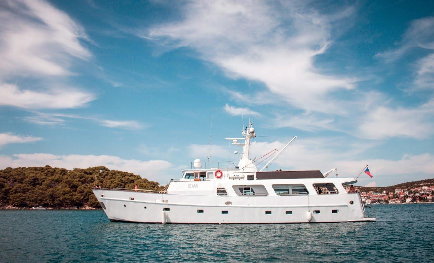 88' Torpoint Steel Boats Motor Yacht