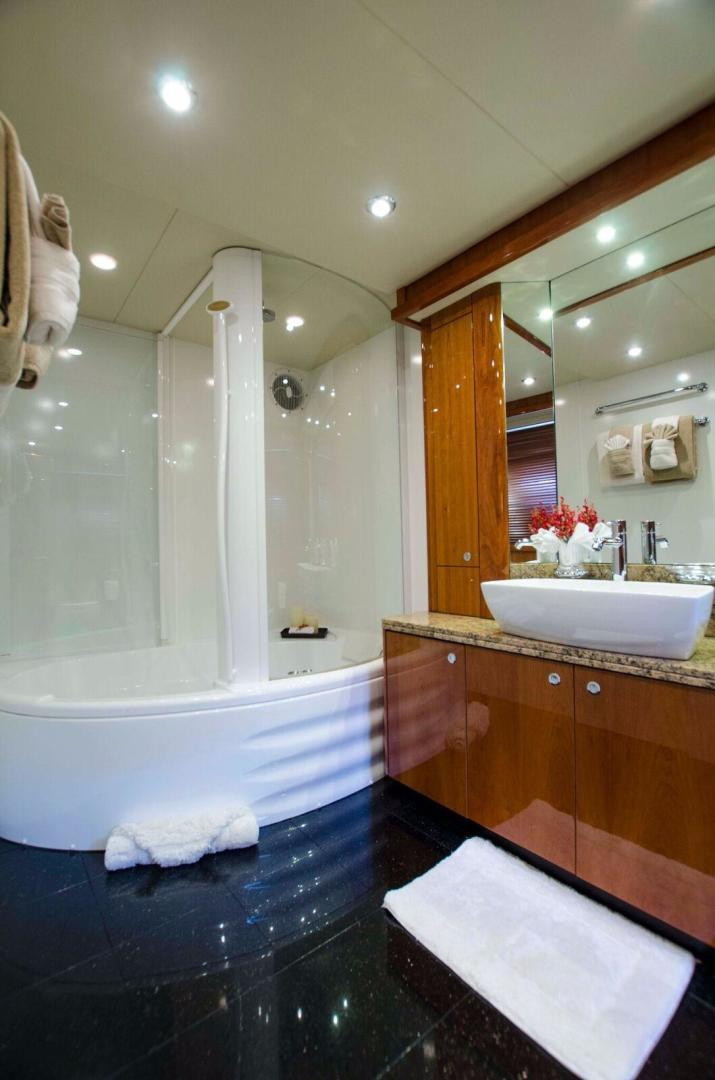 90' Sunseeker, Listing Number 100806979, - Photo No. 17