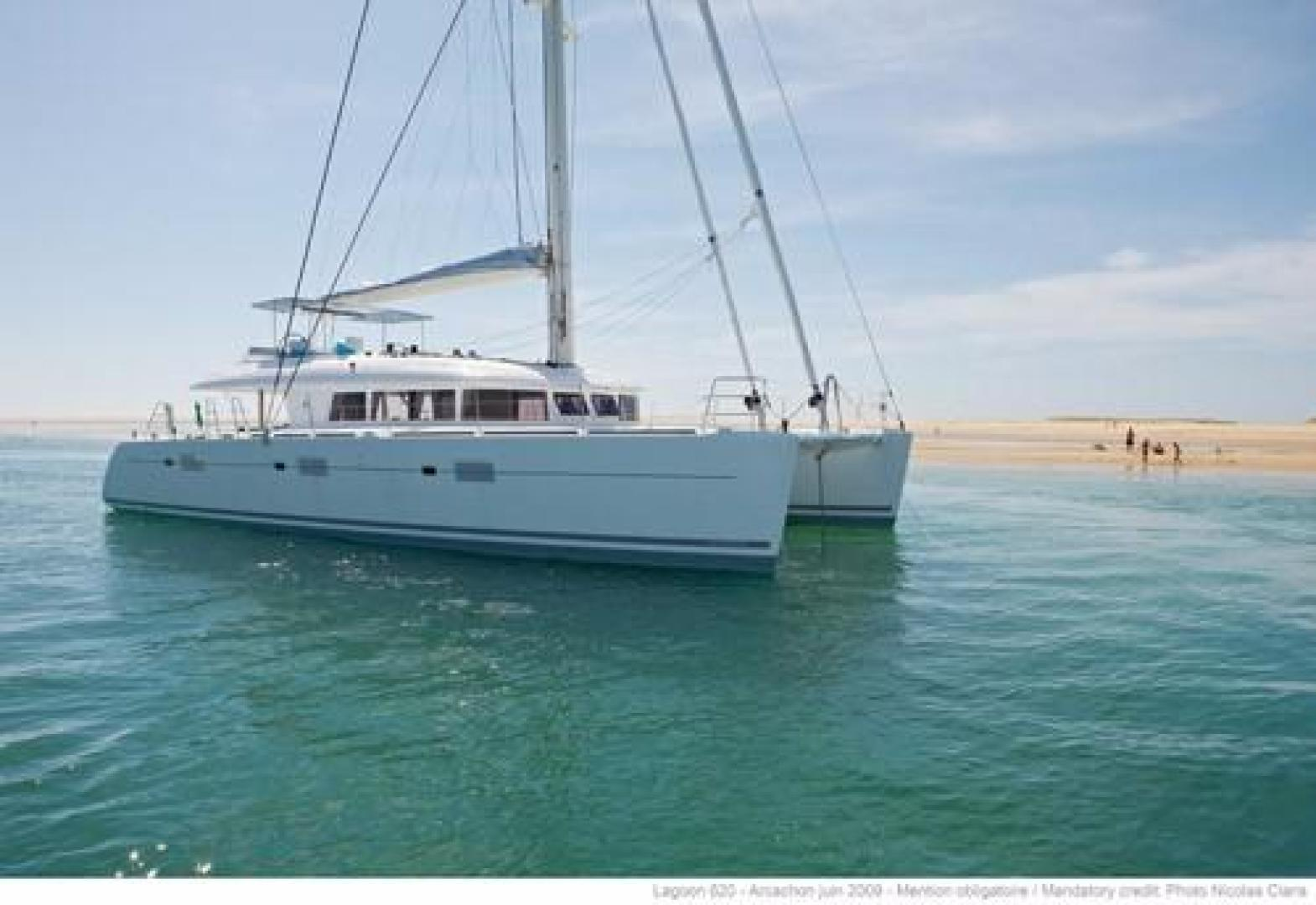 Picture Of: 62' Lagoon L620 2016 Yacht For Sale | 1 of 111