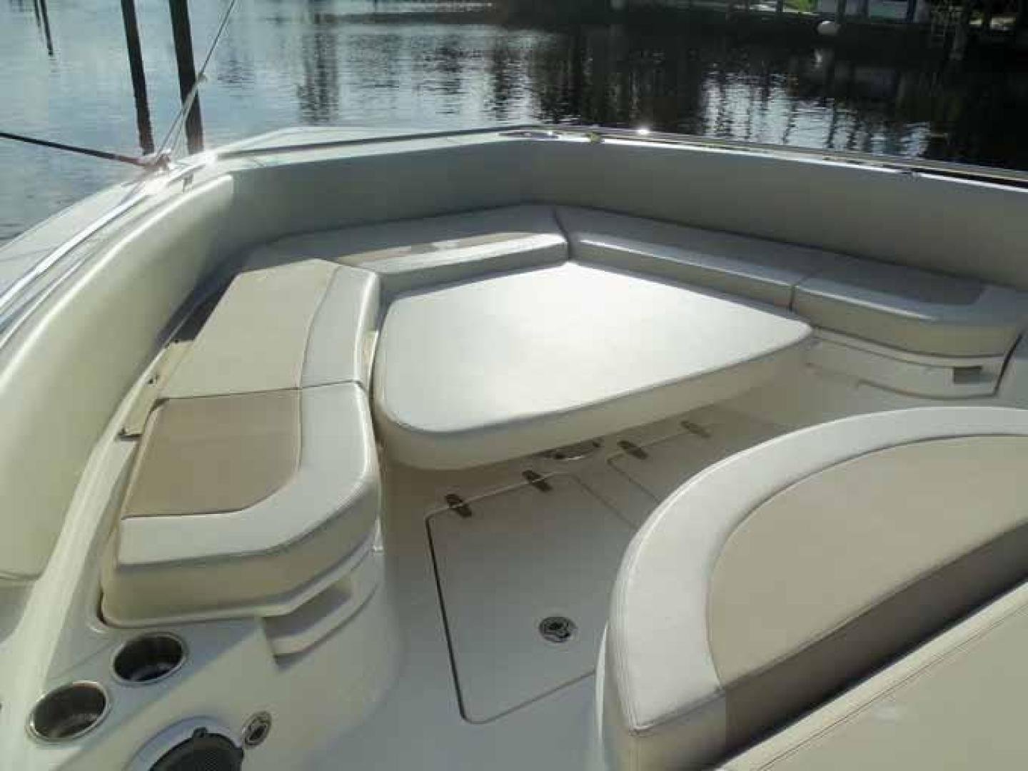 Boston Whaler-Outrage 42 2016-DEALERS CHOICE Ft. Lauderdale-Florida-United States-BOW SEATING TABLE DOWN-1058302 | Thumbnail