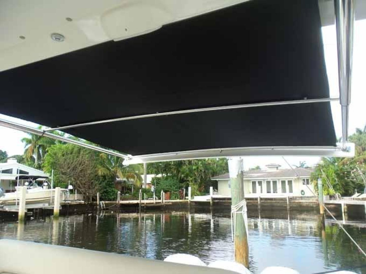 Boston Whaler-Outrage 42 2016-DEALERS CHOICE Ft. Lauderdale-Florida-United States-SUNSHADE FULL-1058265 | Thumbnail