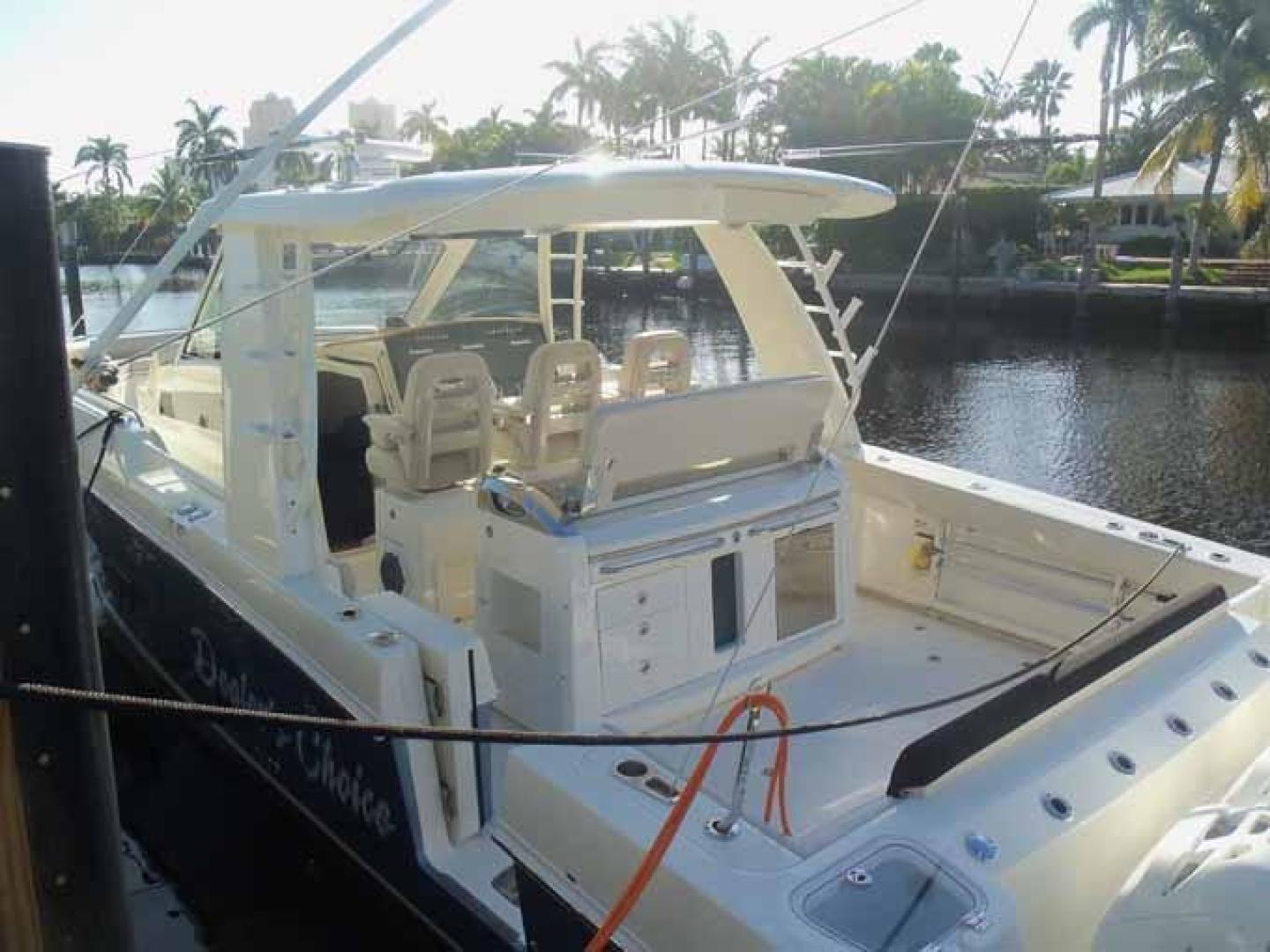 Boston Whaler-Outrage 42 2016-DEALERS CHOICE Ft. Lauderdale-Florida-United States-STERN-1058328 | Thumbnail
