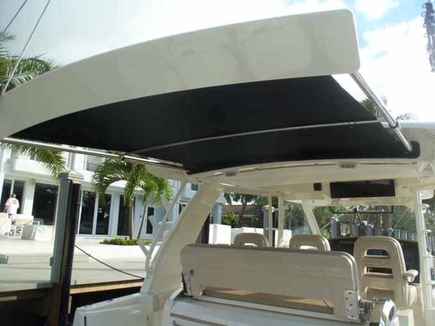 Boston Whaler-Outrage 42 2016-DEALERS CHOICE Ft. Lauderdale-Florida-United States-SUNSHADE FULL-1058264 | Thumbnail
