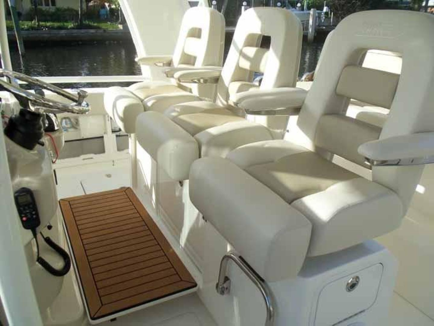 Boston Whaler-Outrage 42 2016-DEALERS CHOICE Ft. Lauderdale-Florida-United States-HELM PLATFORM FOLDED DOWN-1058275 | Thumbnail