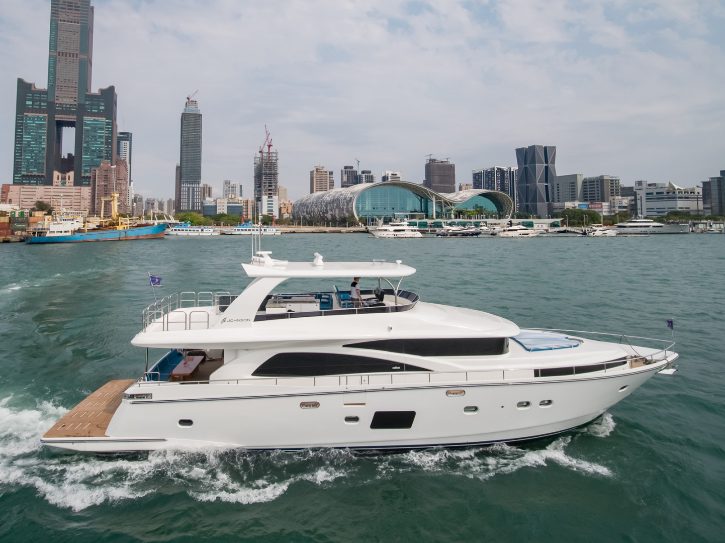 Picture Of: 80' Johnson Flybridge w/Hydraulic Platform 2019 Yacht For Sale | 1 of 51