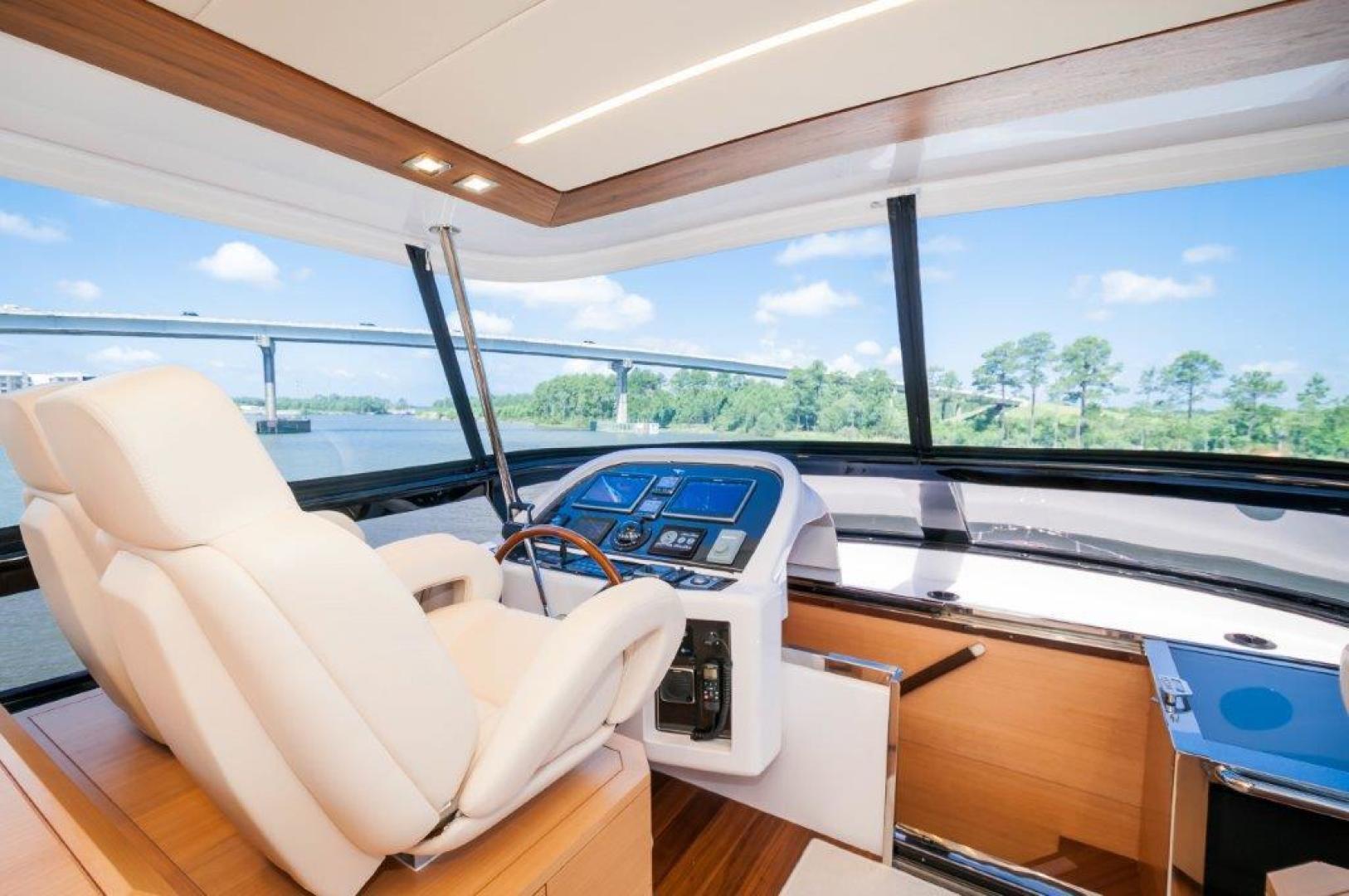 Maiora-84 Motor Yacht 2015-Never Rest SANDESTIN-Florida-United States-2015 Maiora 84 Motor Yacht Flybridge Helm Never Rest-720592 | Thumbnail
