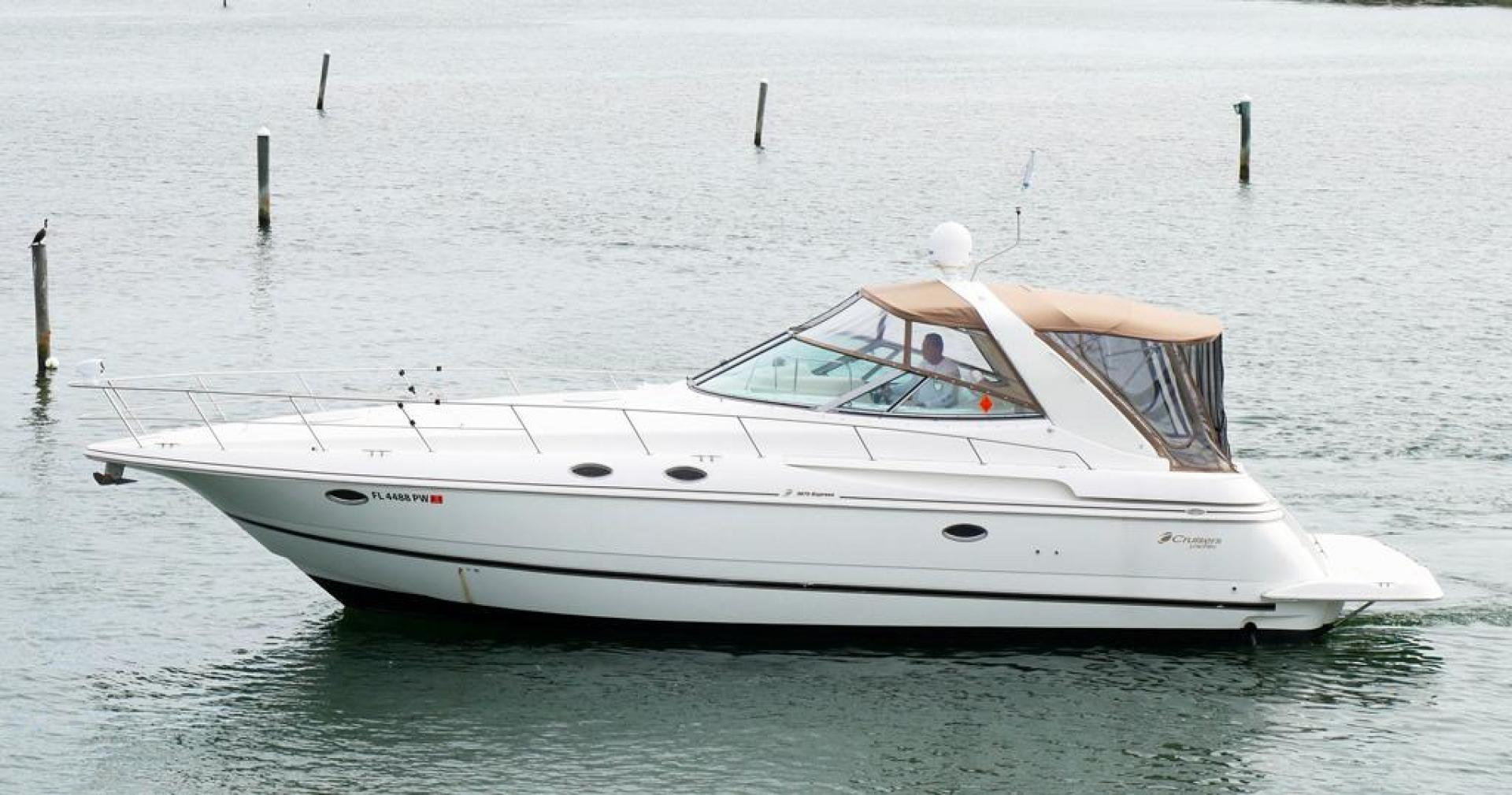 Cruisers-3870 Express 2000-CDreams Destin-Florida-United States-2000 38 Cruisers CDreams Port Profile-716056 | Thumbnail