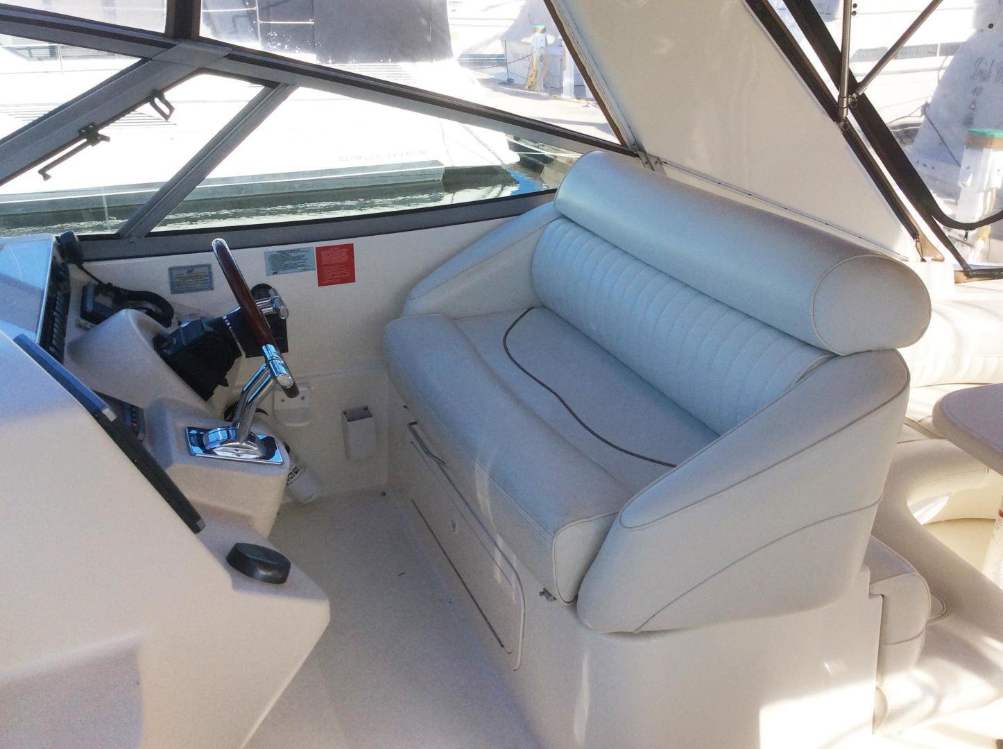 Cruisers-3870 Express 2000-CDreams Destin-Florida-United States-2000 38 Cruisers CDreams Helm-716043 | Thumbnail