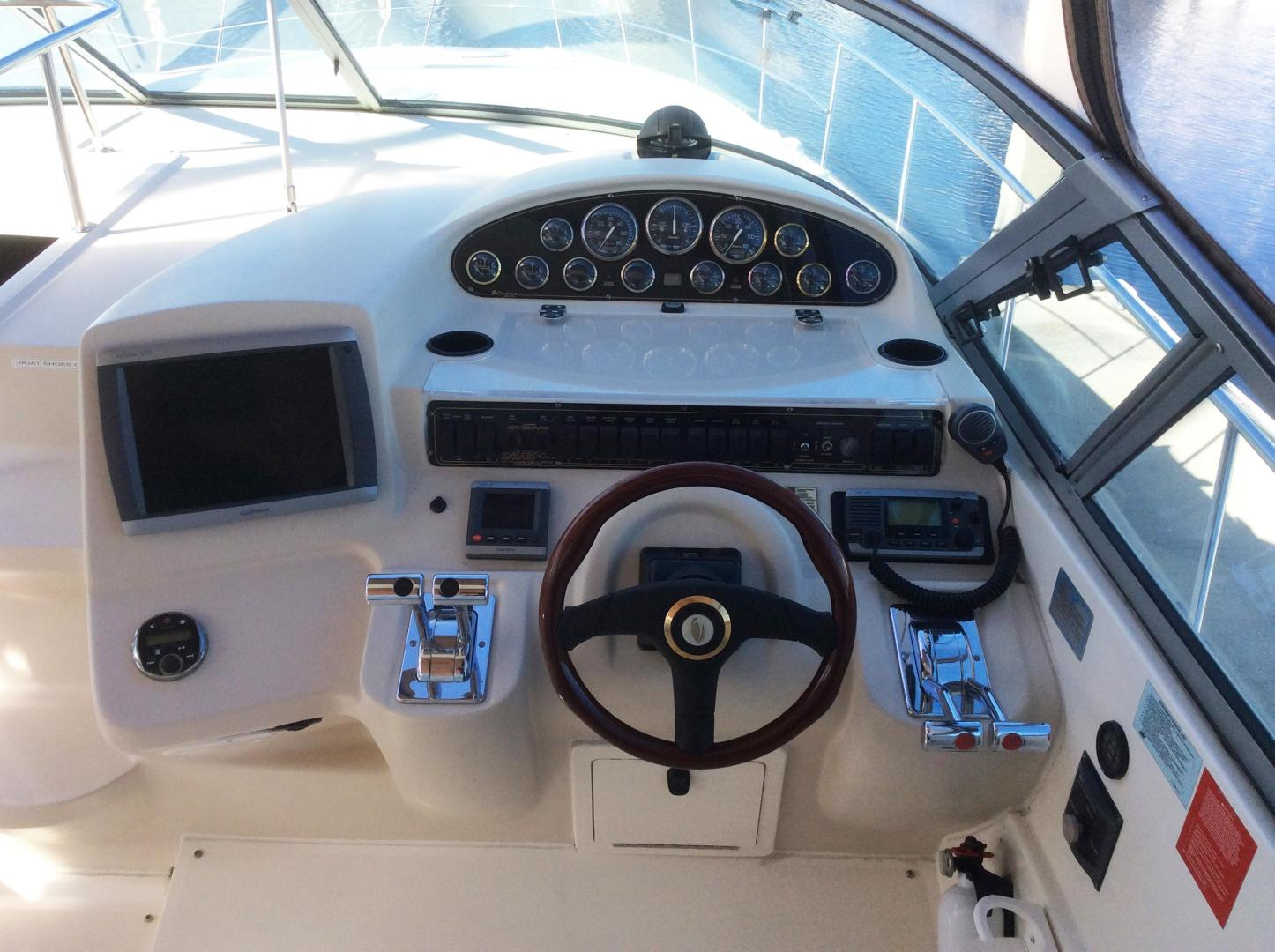 Cruisers-3870 Express 2000-CDreams Destin-Florida-United States-2000 38 Cruisers CDreams Helm-716033 | Thumbnail