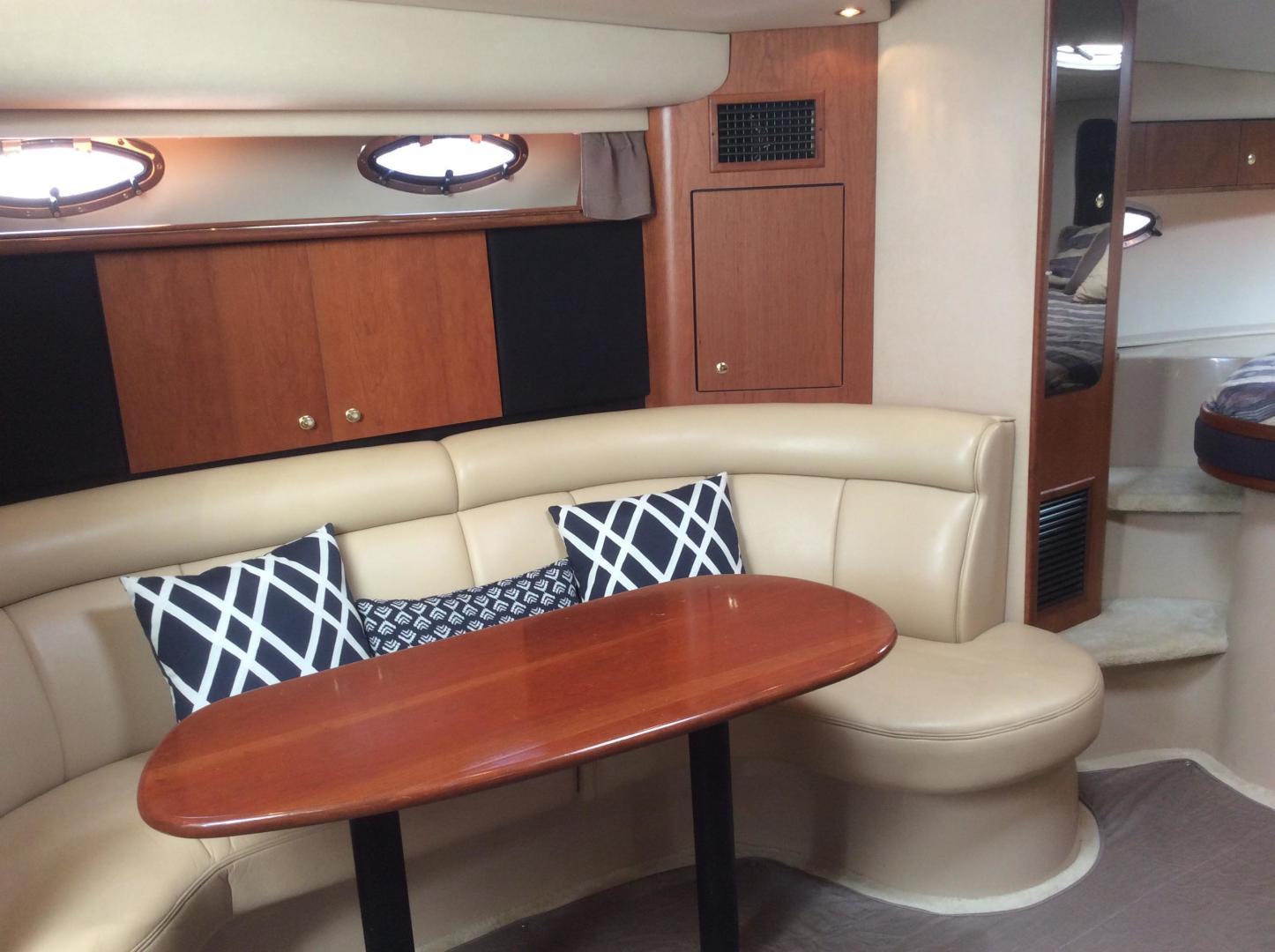 Cruisers-3870 Express 2000-CDreams Destin-Florida-United States-2000 38 Cruisers CDreams Dinette-716031 | Thumbnail