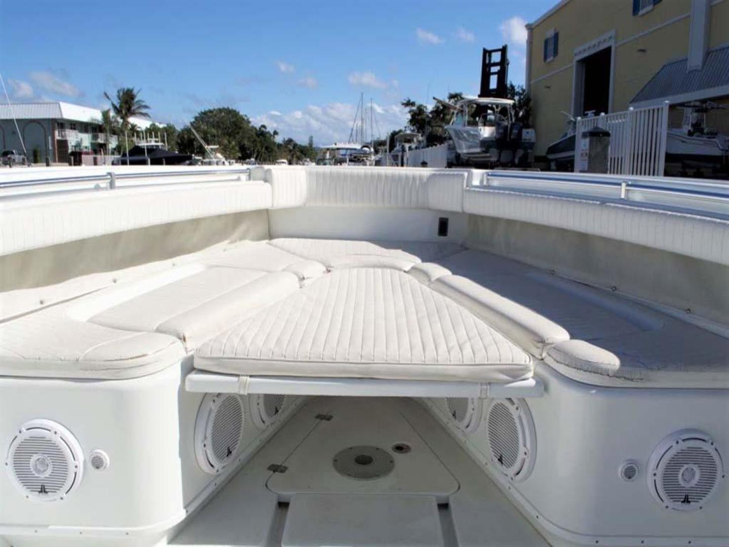 Yellowfin-42-Open-2009-Hard-Charger-Pompano-Florida-United-States-Forward-Accommodations-929752