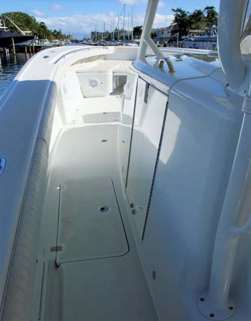 Yellowfin-42-Open-2009-Hard-Charger-Pompano-Florida-United-States-Port-Deck-929750