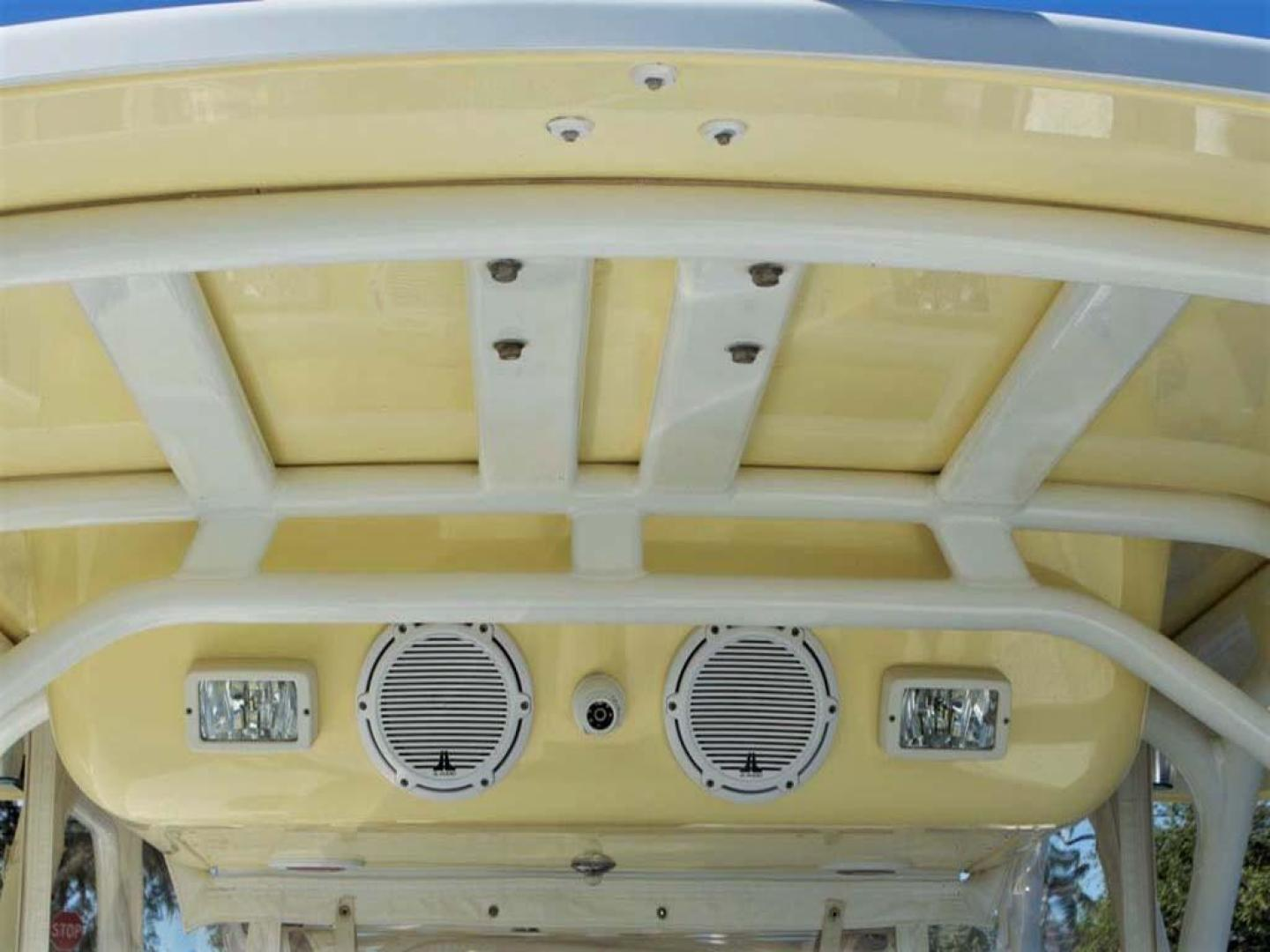 Yellowfin-42 Offshore 2009-Hard Charger Pompano-Florida-United States-Forward Speakers and Camera-929765 | Thumbnail