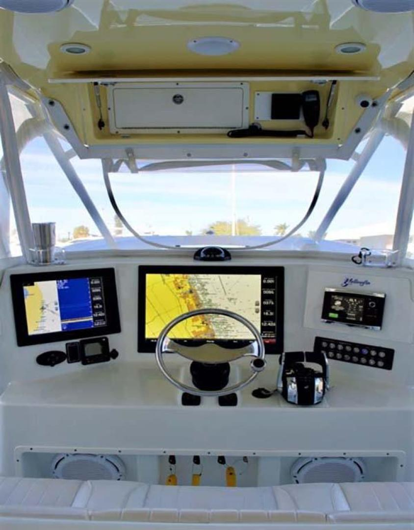 Yellowfin-42-Open-2009-Hard-Charger-Pompano-Florida-United-States-Helm-929758