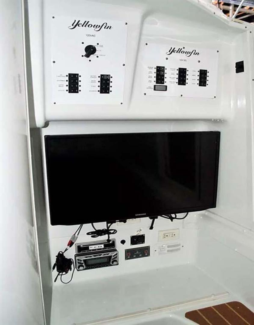 Yellowfin-42 Offshore 2009-Hard Charger Pompano-Florida-United States-Cabin TV and Electronics-929755 | Thumbnail