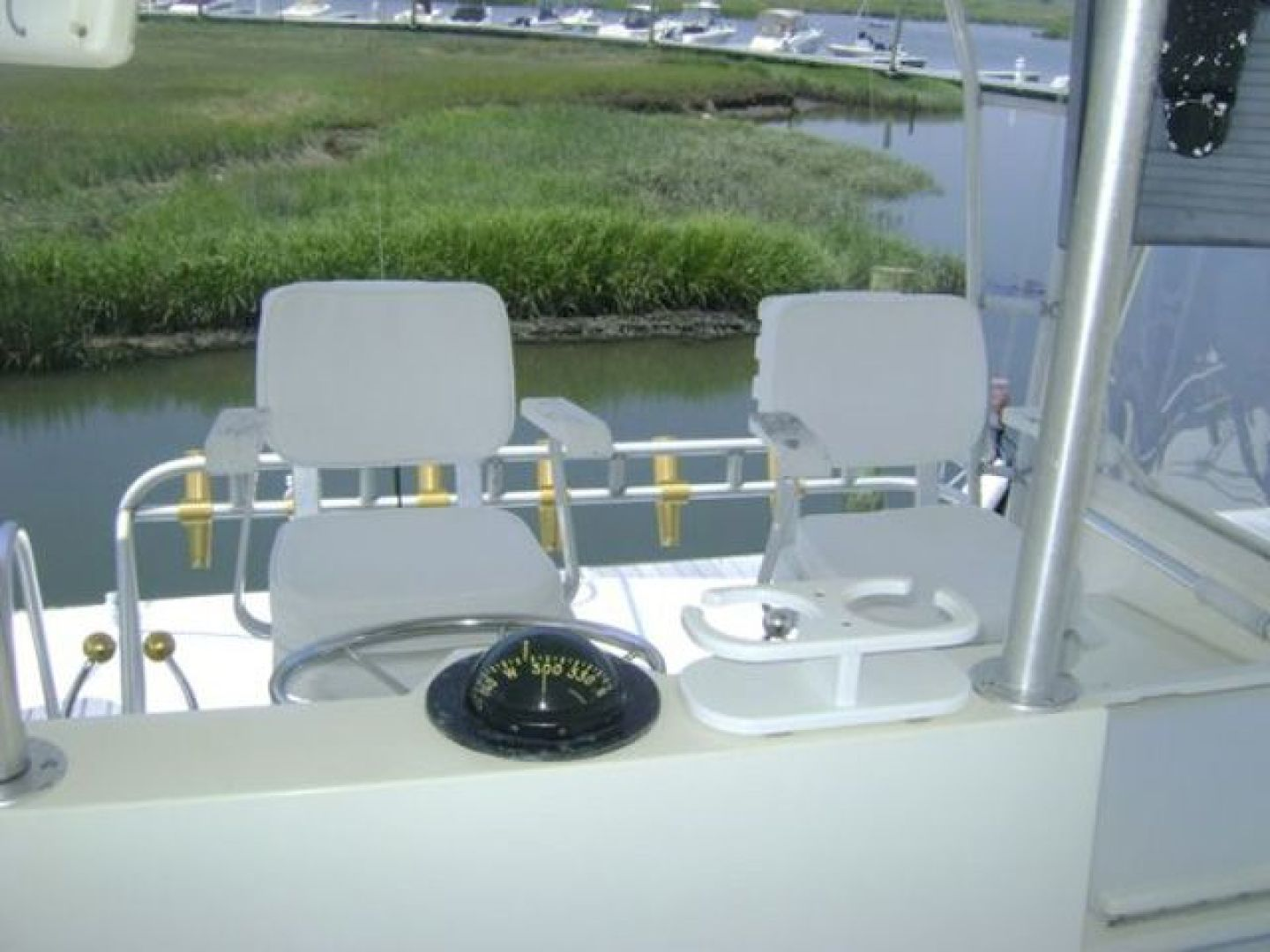 Viking-Convertible 1988 -Cape May-New Jersey-United States-Bridge Helm Chairs-928305 | Thumbnail