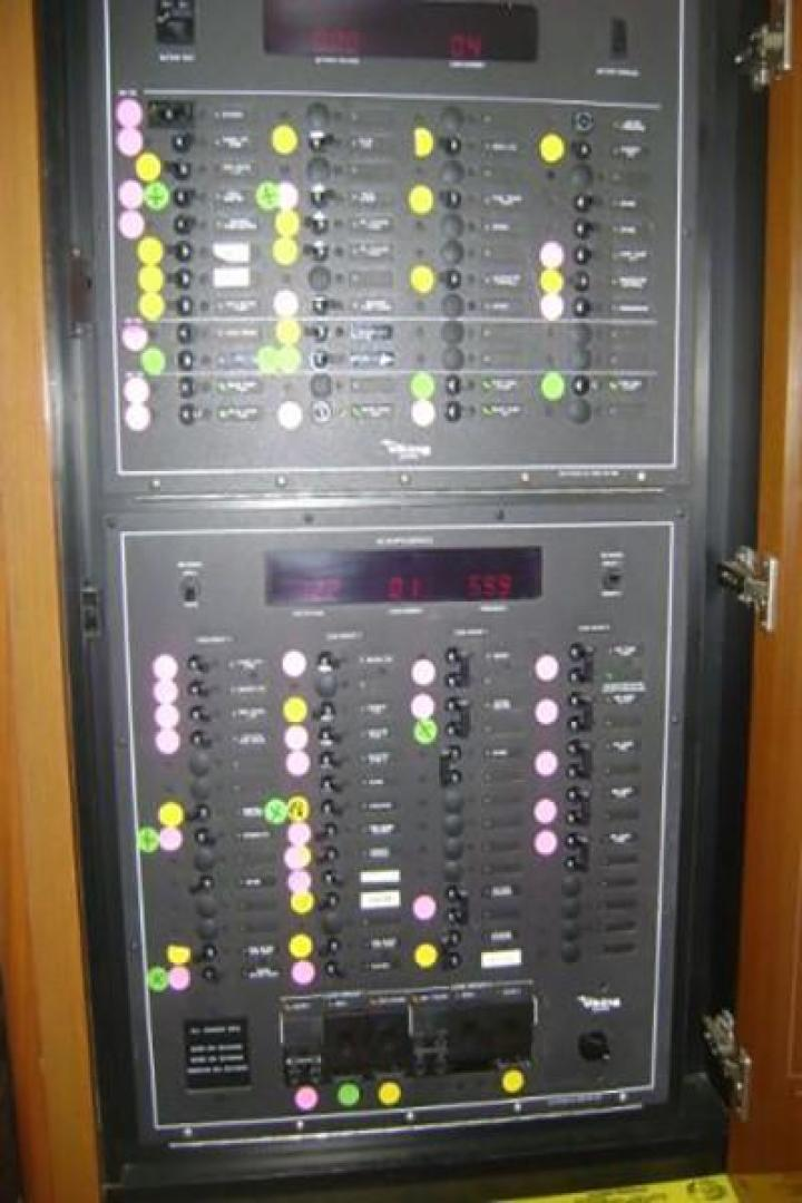 Viking-55 Convertible 1998-Wild Oats Cape May-New Jersey-United States-Electrical Panel-928432   Thumbnail