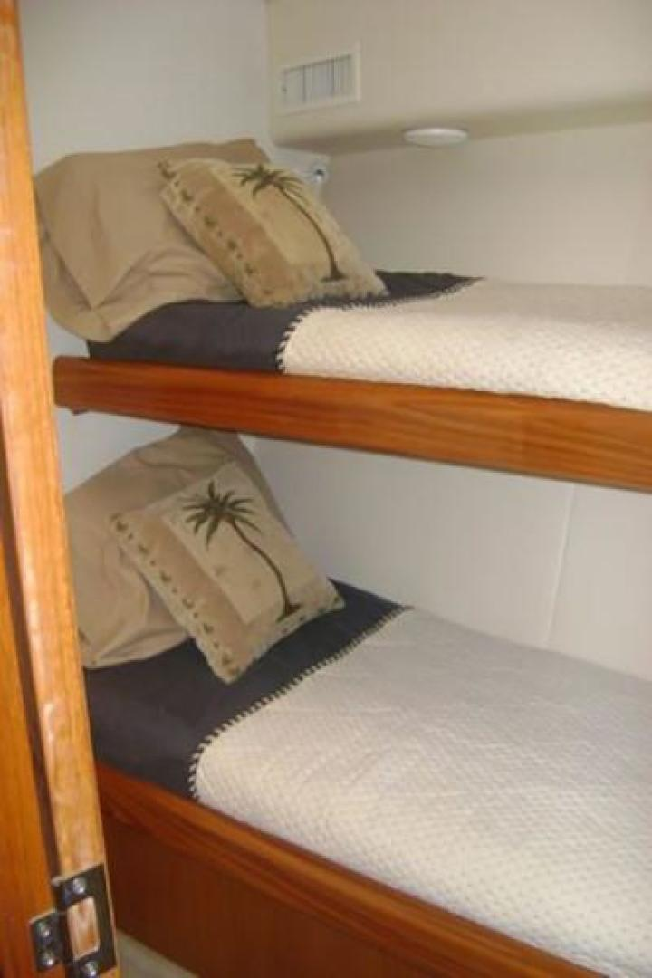 Viking-55 Convertible 1998-Wild Oats Cape May-New Jersey-United States-Guest Cabin-928412   Thumbnail