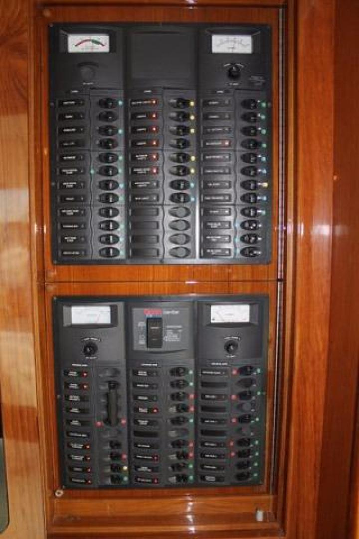 Riviera-Convertible 2008-Dolphin Seeker Wildwood-New Jersey-United States-Electrical Panel-928474 | Thumbnail