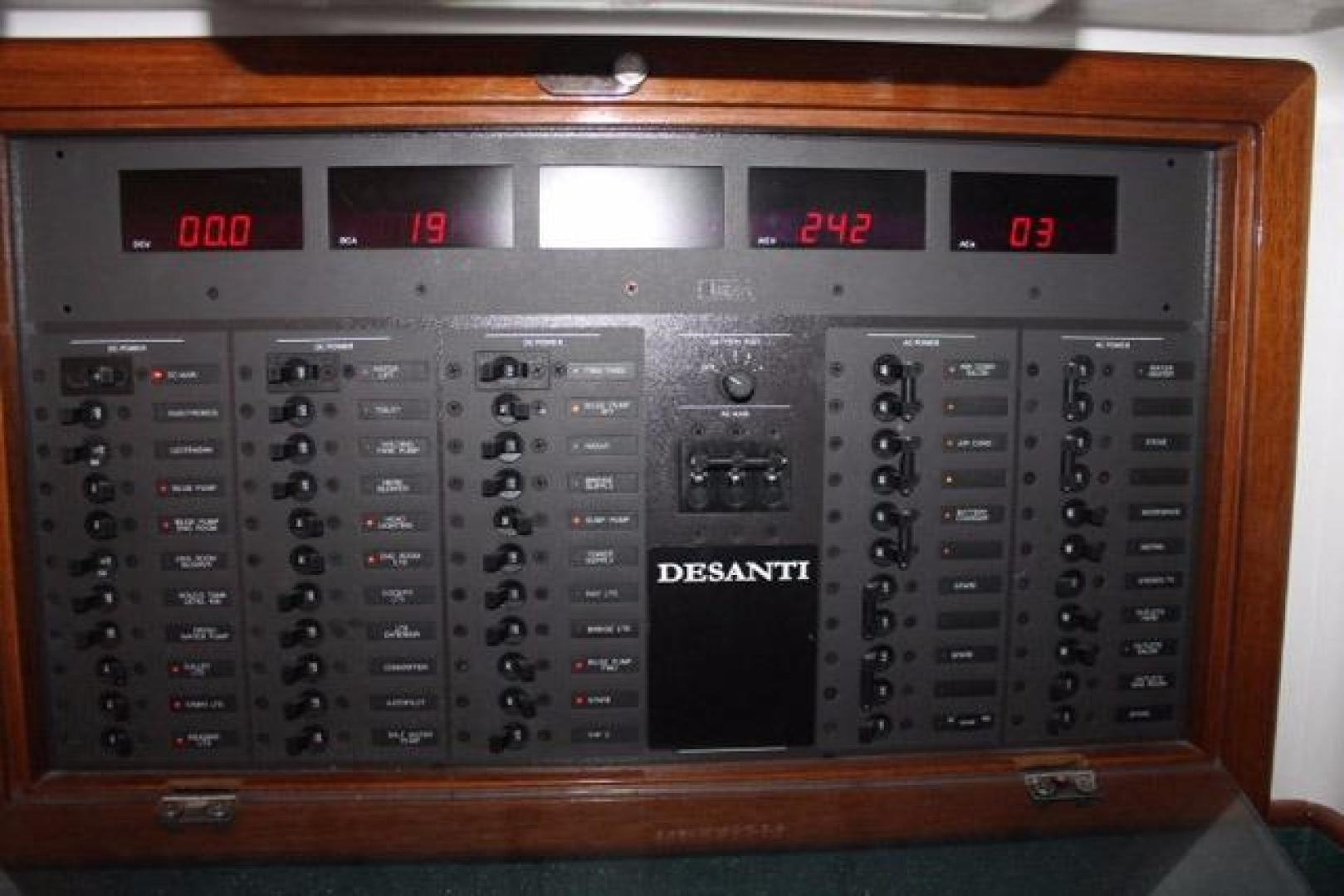 Custom Carolina-Express Desanti 2005-Mac   Daddy Cape May-New Jersey-United States-Electrical Panel-928763 | Thumbnail