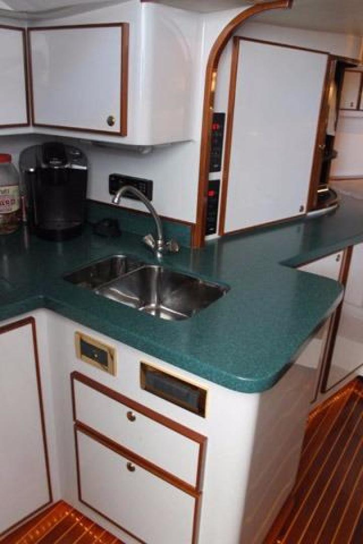 Custom Carolina-Express Desanti 2005-Mac   Daddy Cape May-New Jersey-United States-Galley Sink-928737 | Thumbnail