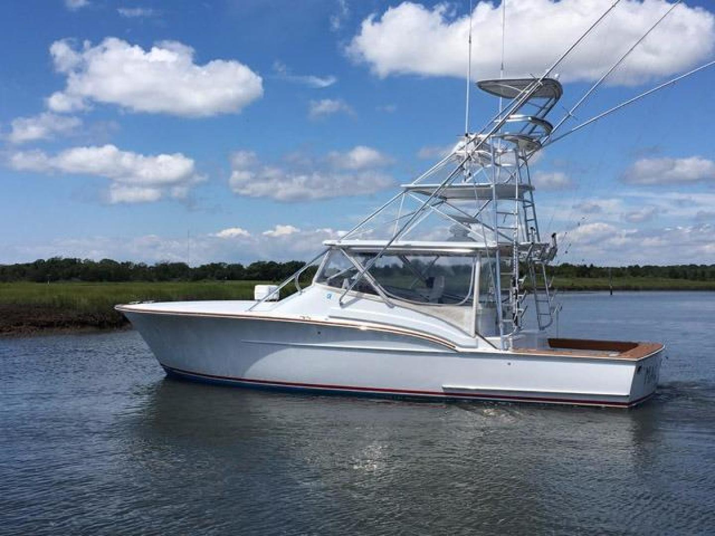 Custom Carolina 40' Express Desanti 2005  Mac - Daddy