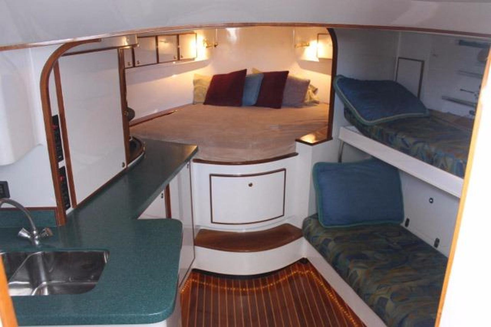 Custom Carolina-Express Desanti 2005-Mac   Daddy Cape May-New Jersey-United States-Fwd Berth-928741 | Thumbnail
